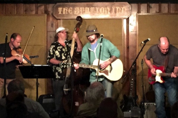 Billy Ray Cyrus Makes Surprise Appearance at Station Inn